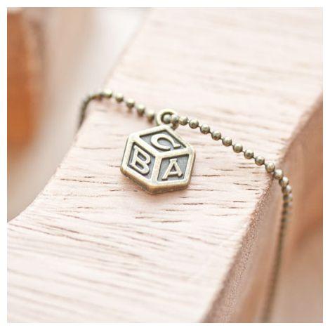 Breloque Jouet cube lettres Bronze vieilli