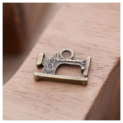 Breloque Machine à coudre Bronze vieilli