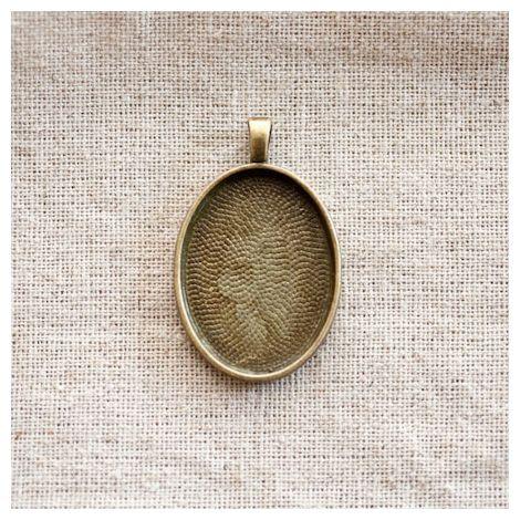 Pendentif Cadre de cabochon Oval 3,0x2,2cm Bronze vieilli x 1