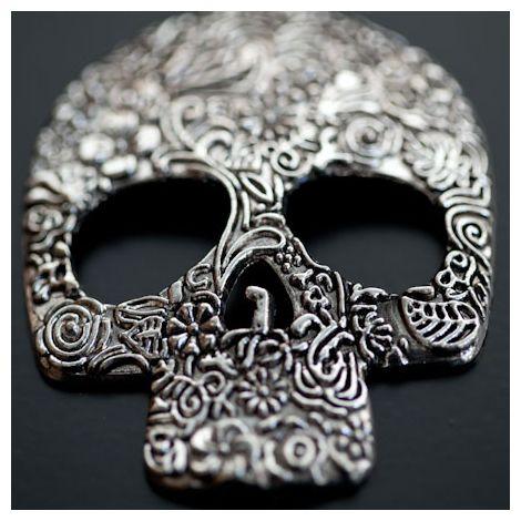 Pendentif Tête de mort Skull 66mm Plat Fleurs Argenté vieilli