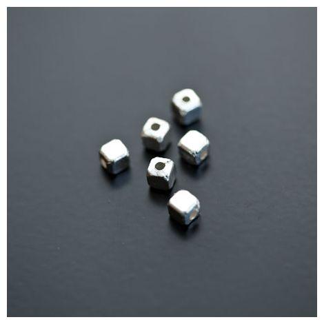 Perle en métal Cube 4x4mm Argenté