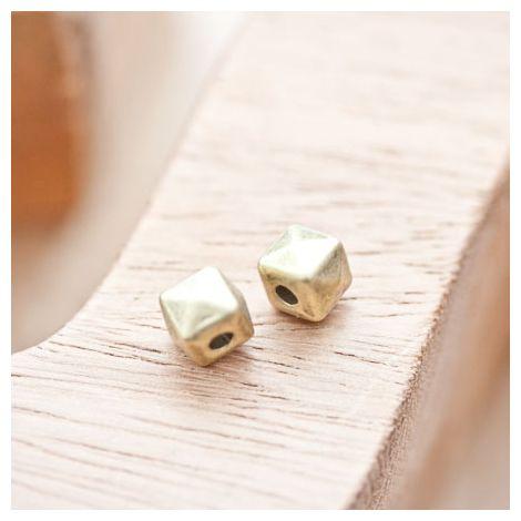 Perle en métal Cube 7.5mm Pyramide Bronze vieilli