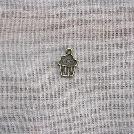 Breloque Petit muffin dessin Bronze vieilli