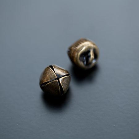 Breloque Grelot 12mm Bronze vieilli x 10pcs