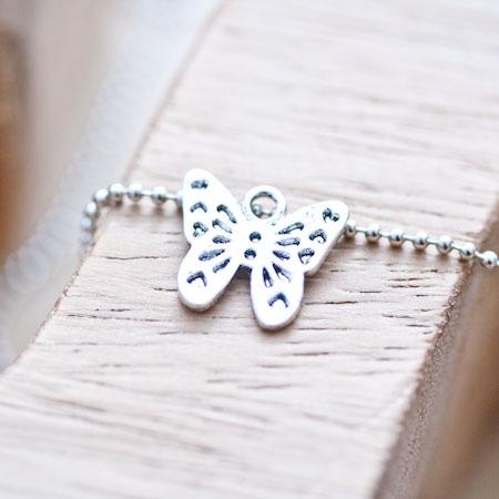 Breloque Joli petit papillon Argent vieilli x 8