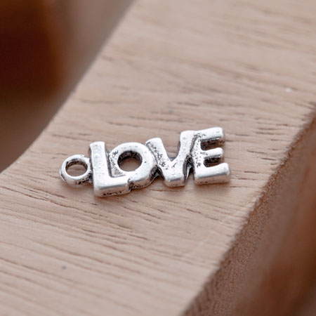 Breloque Petit Love épais Argent vieilli x 10