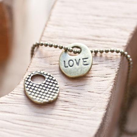 Breloque Petit médaillon Love Bronze vieilli x 5