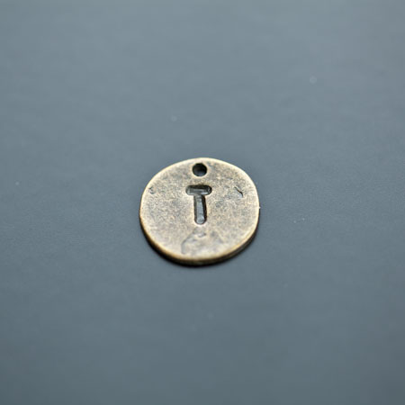Breloque Plaque Lettre T Bronze vieilli x 8