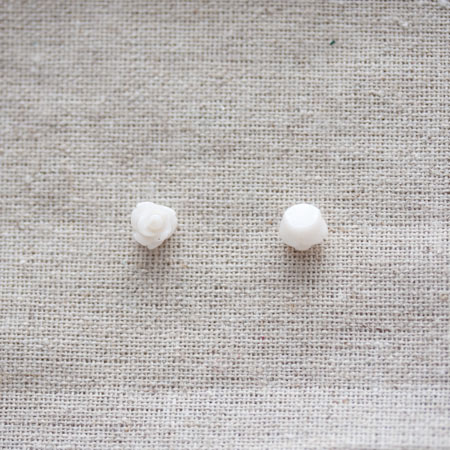 Cabochon résine Fleur 0,75cm Blanc crème x 100