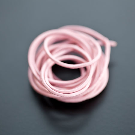 Cordon en cuir 1mm Cuir de vache Rose