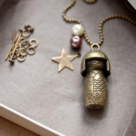 Kit création Collier Kokeshi Bronze vieilli