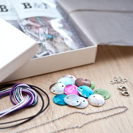 Kit de créations Bracelet cordon, chaîne et sequin Avec pince