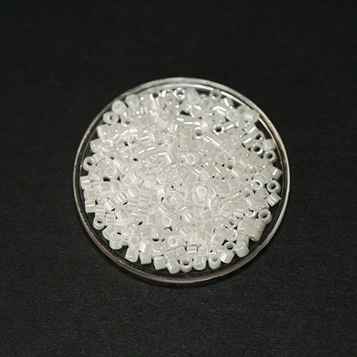 Perle japonaise Miyuki Delica 11/0 DB0201 Blanc Nacré 5g