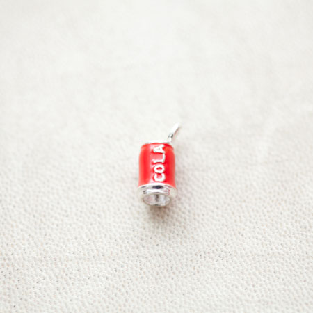 Pendentif Canette Cola 16mm Argenté Émaillé Rouge x 2pcs
