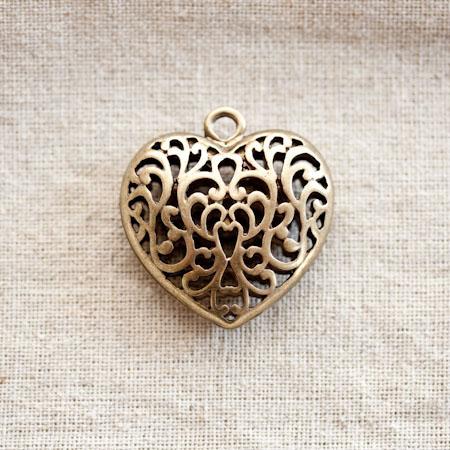 Pendentif Coeur filigrane 3,5cm Bronze vieilli x 1