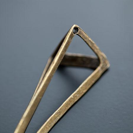 Pendentif Connecteur Triangle 70x24mm Bronze vieilli