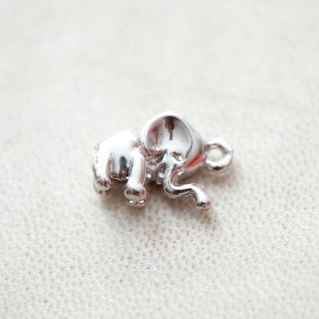 Pendentif Élephant 17mm Argenté gris