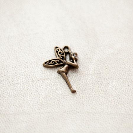 Pendentif Fée Clochette 23mm Bronze vieilli x 5pcs