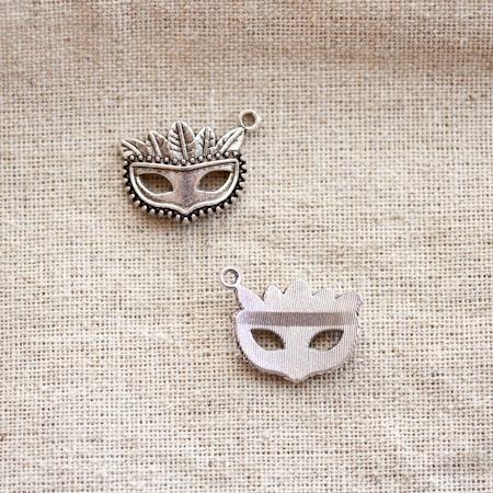 Pendentif Masque Vénitien Argent vieilli x 5