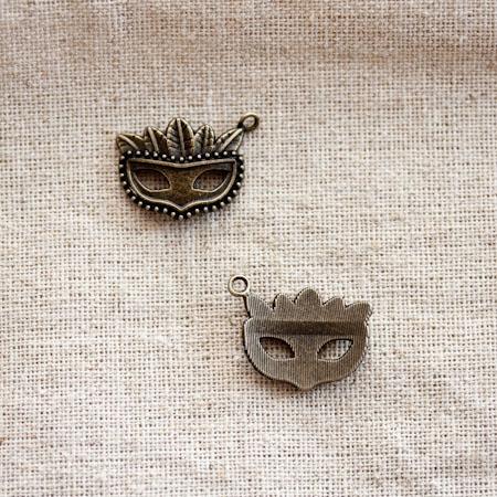 Pendentif Masque Vénitien Bronze vieilli x 2