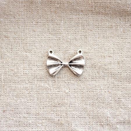 Breloque Noeud papillon Argent vieilli x 4