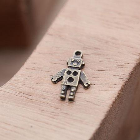 Pendentif Petit Robot Bronze vieilli x 10
