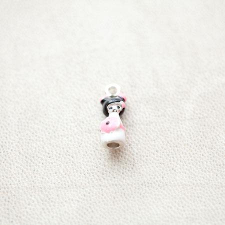 Pendentif Poupée Japonaise Kokeshi 18mm Argenté Émaillé Rose x 2pcs