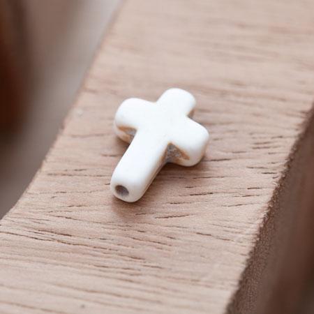 Perle de Gemme Petite Croix 16mm Blanc