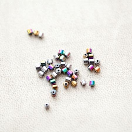 Perle en Hématite 2mm Bidon Couleur Mixte x 57pcs