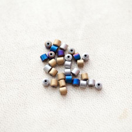 Perle en Hématite 3mm Colonne Couleur Mixte x 27pcs