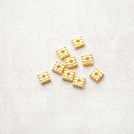 Perle en métal Carré 5x5mm Plat Séparateur Doré x 50pcs