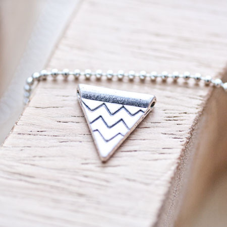 Perle en métal Triangle chevrons 14mm Argent vieilli x 10