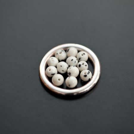 Perle en Turquoise Synthétique Rond 4mm Blanc Dalmatien x 20pcs
