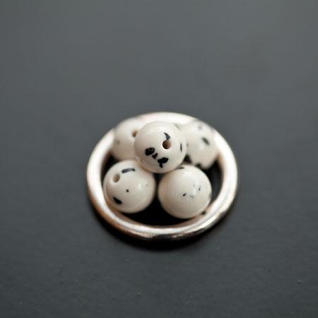 Perle en Turquoise Synthétique Rond 8mm Blanc Dalmatien x 8pcs