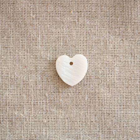 Perle Nacre 15mm plate Coeur Blanc x 100