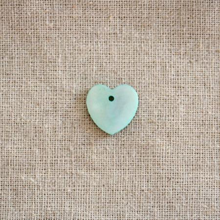Perle Nacre 15mm plate Coeur Bleu eau x 100