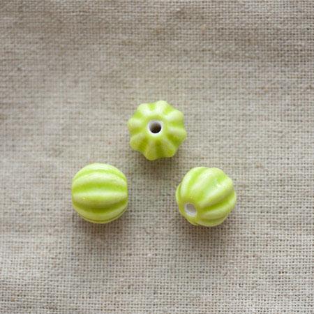 Perle porcelaine 13mm Vert citron Relief x 50