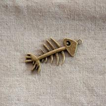 Pendentif Grand squelette de poisson Bronze vieilli x 1