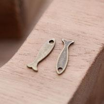 Breloque Mini Poisson Lisse Bronze vieilli x 10