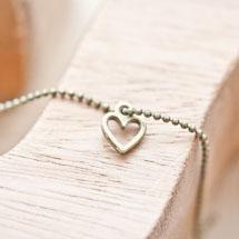 Breloque Petit coeur fil Bronze vieilli x 14