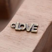 Breloque Petit Love épais Bronze vieilli x 10