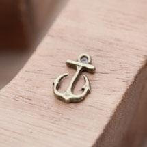 Breloque Petite Ancre Pique Bronze vieilli x 12