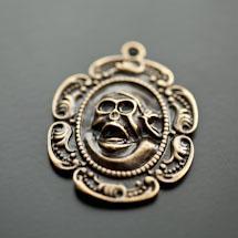 Pendentif Médaillon crâne de pirate Bronze vieilli x 2