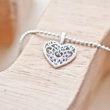 Pendentif Petit coeur filigrane plat Argent vieilli x 10