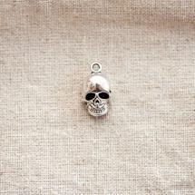 Pendentif Tête de mort/Skull relief Argent vieilli x 2