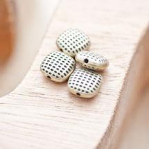 Perle en métal Carré 10mm Points Bronze vieilli x 6