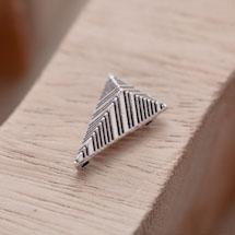 Perle en Métal Connecteur Pyramide Triangle Quadrillé Argent vieilli x 10