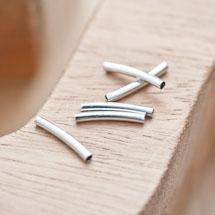 Perle en métal Tube 15x2mm Courbé Argent gris x 20