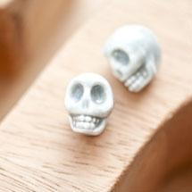 Perle en porcelaine 13x11mm Tête de mort Gris x 2