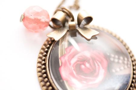 Sautoir Rose romantique...